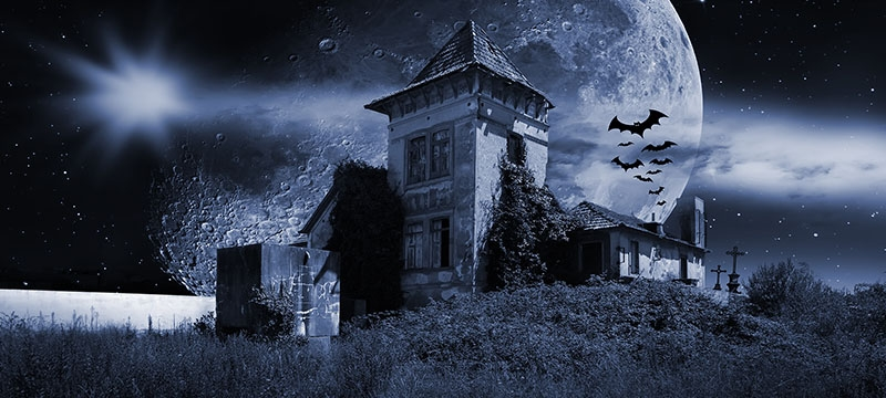 These Five Hauntingly Cool and Creepy Houses are Fit for Halloween!