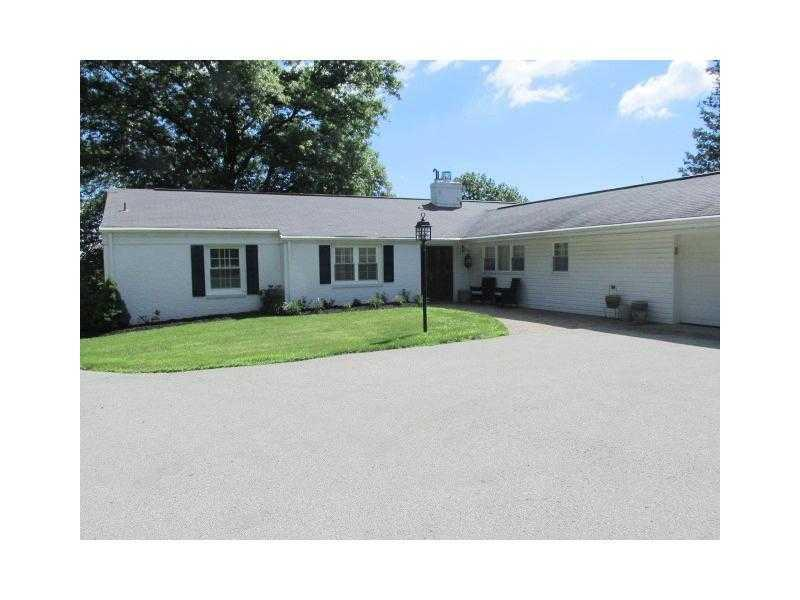134  Club Manor Road, Unity Township