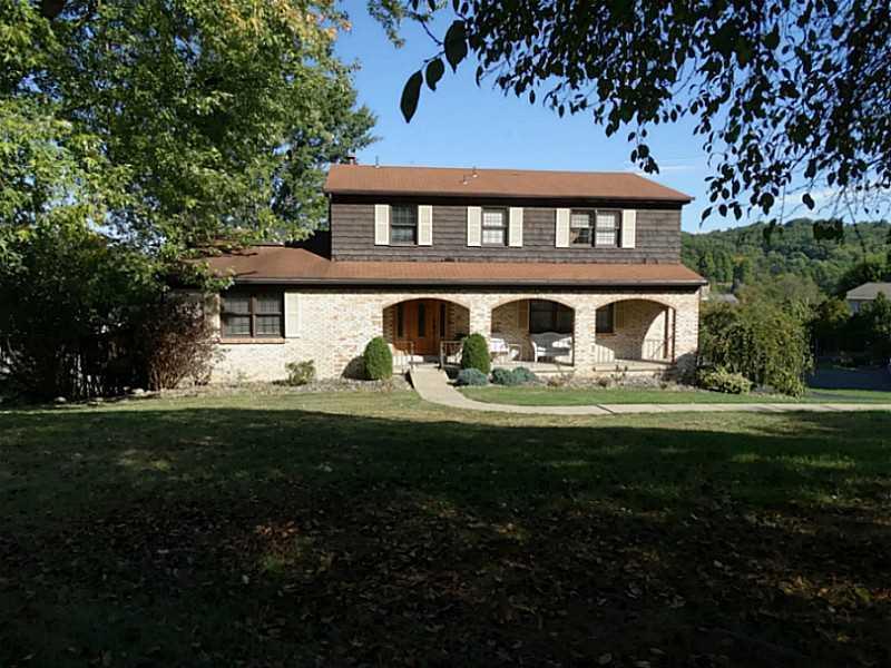 311  Amblewood Circle , Hempfield Township