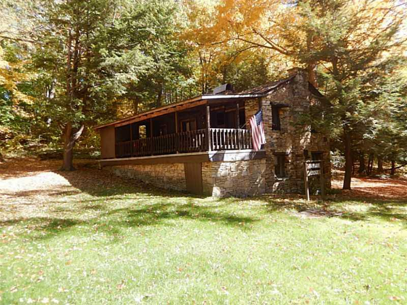 676  County Line Rd, Middlecreek Township