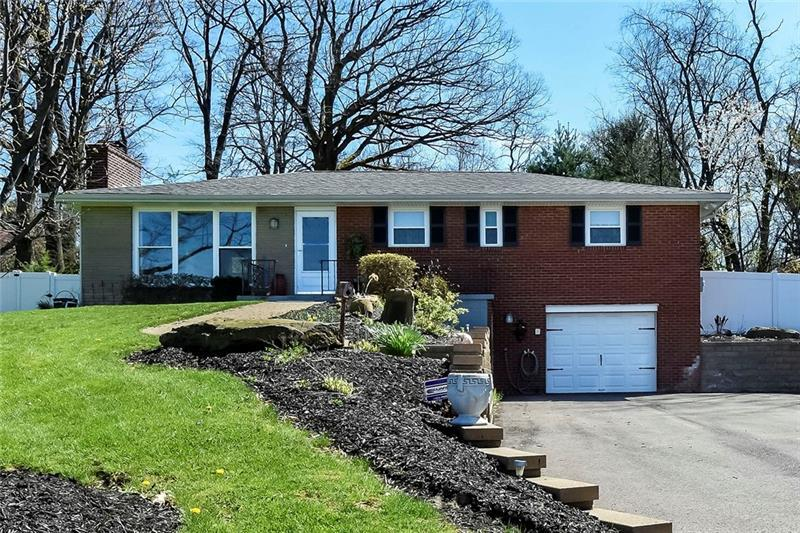 1515  Mount Nebo Road, Ohio Township