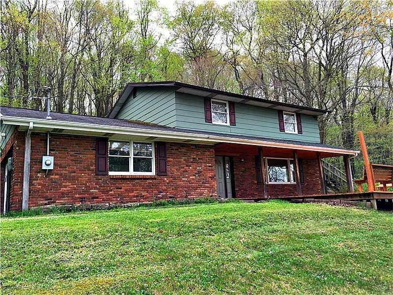 134  Springhouse Lane, Cook Township