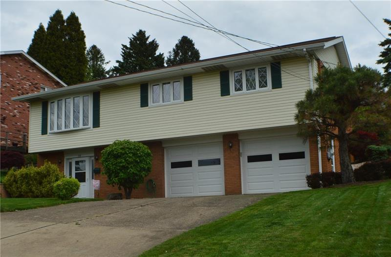 18  Colonial Dr, Monessen