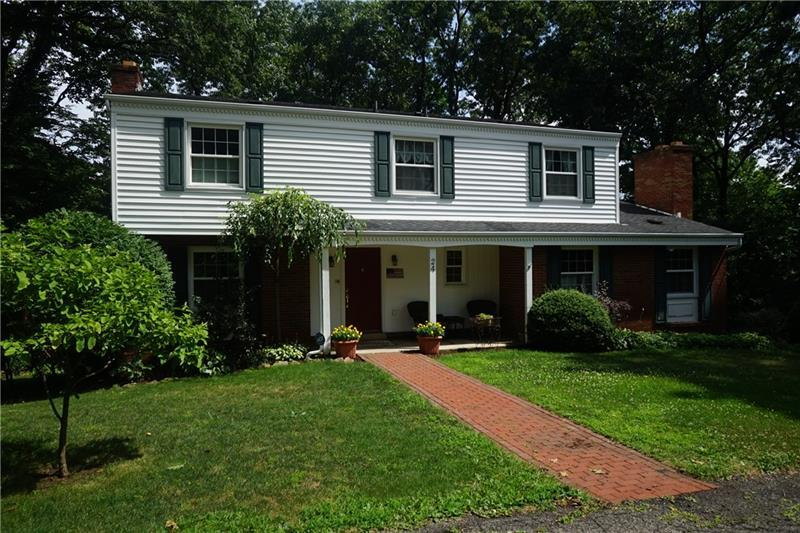 24  Red Oak Drive, Twp. of Butler NW