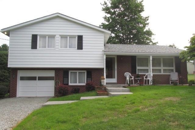 507  Santone Drive, Hempfield Township