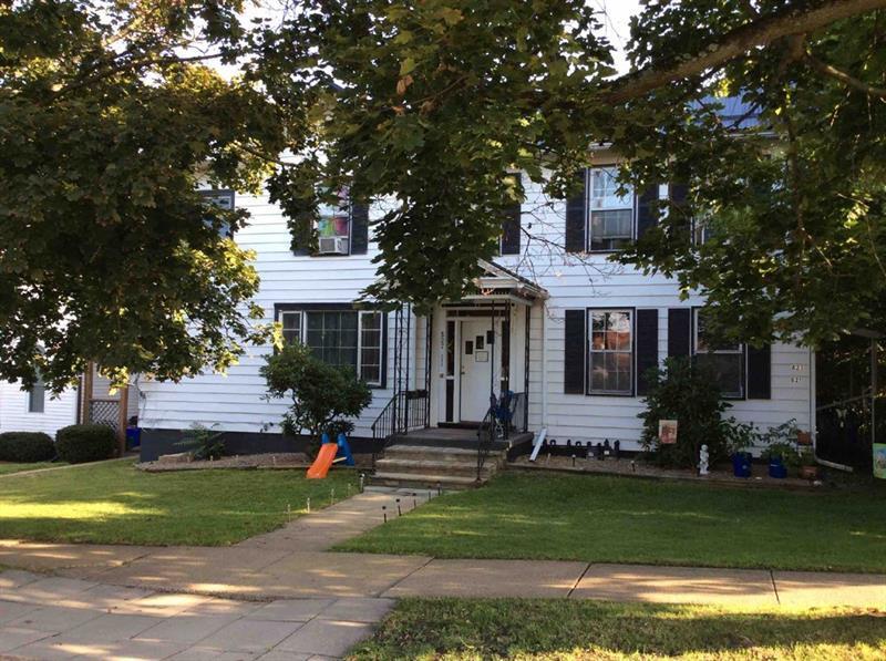 821-827 Oak Street