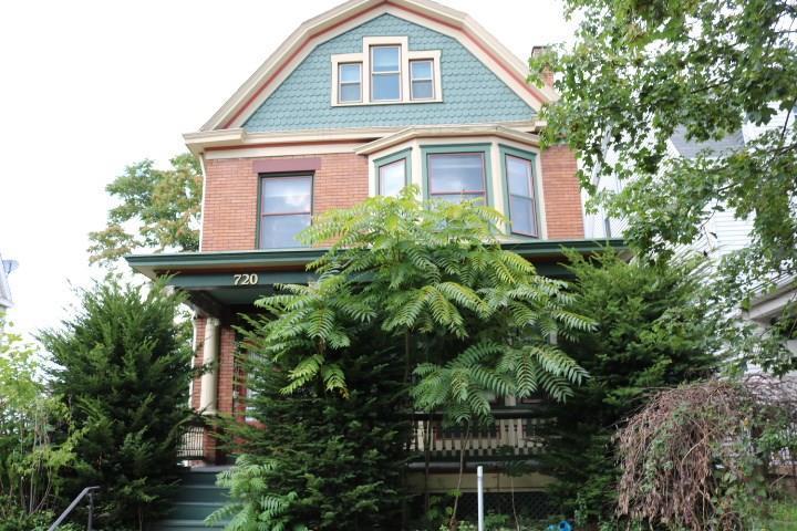 720 Maplewood Avenue