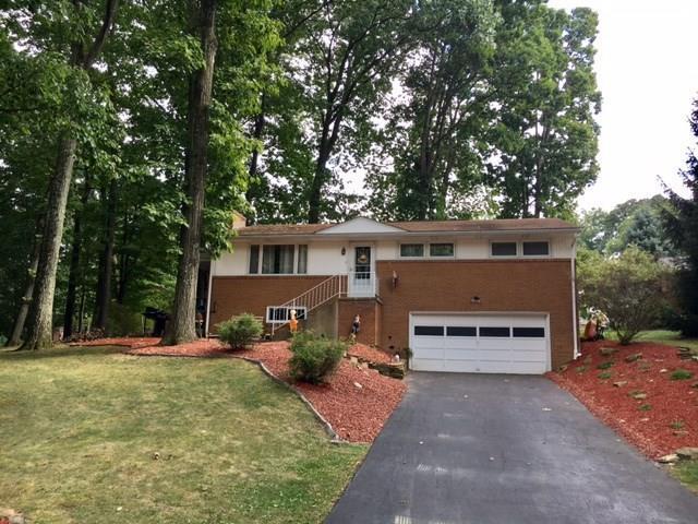 204  Woodbury Drive, Hempfield Township