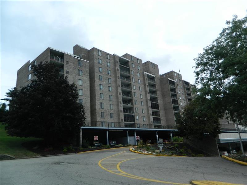 2160 Greentree Rd. 808 W