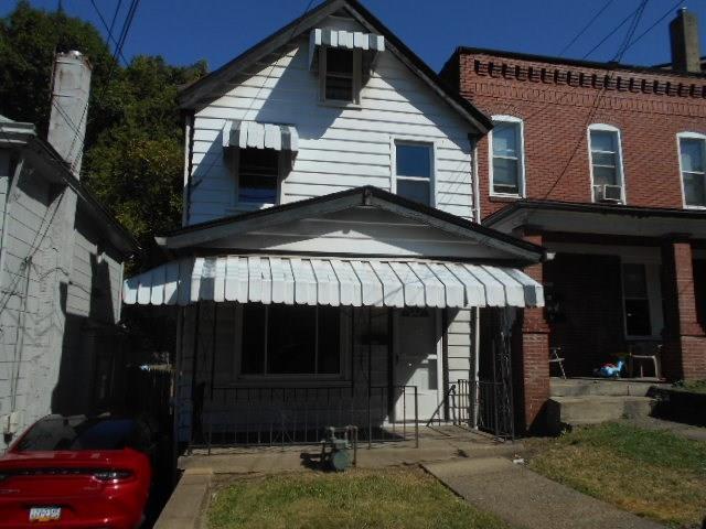 1005 Oak Avenue
