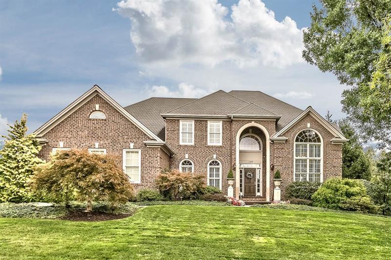 139  Sebago Lake Drive, Ohio Township