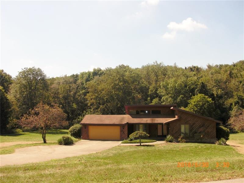 225  Swihart Rd, Cecil Township