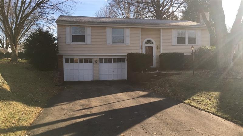 25  Erie Drive, Hempfield Township