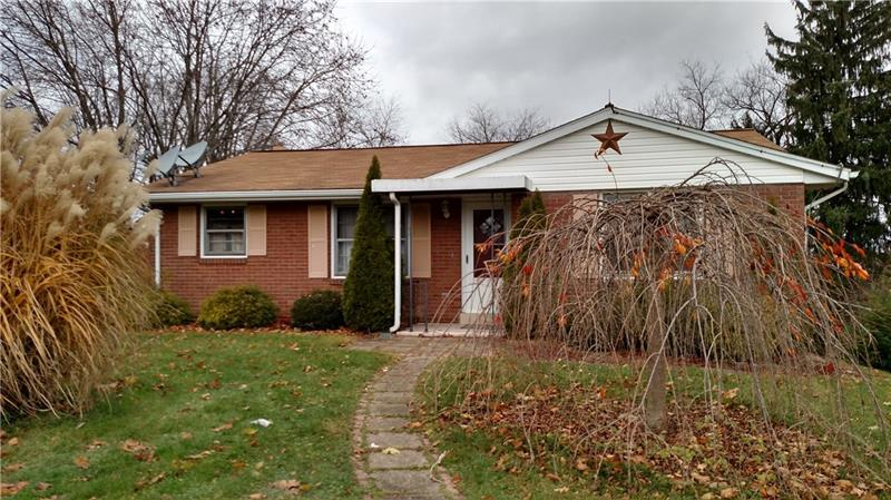 125 North Drive, Center Township