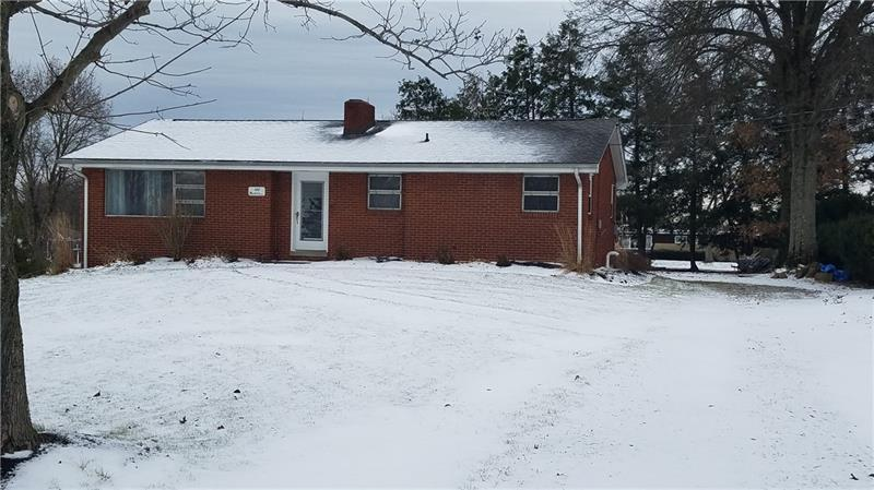 122 North Drive, Center Township