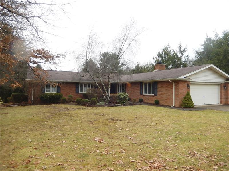 903  Country Club Drive, Hempfield Township
