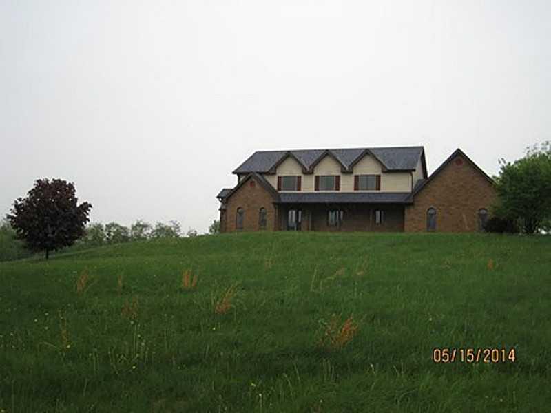 144-Colonial-Drive-Hanover-Township-PA-15026