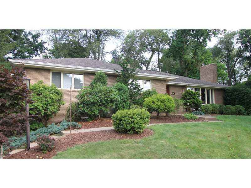 2667-Thorntree-Upper-St-Clair-PA-15241