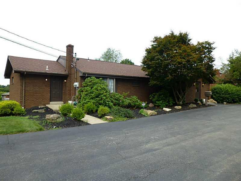 960-Beaver-Grade-Rd-Moon-Crescent-Twp-PA-15108