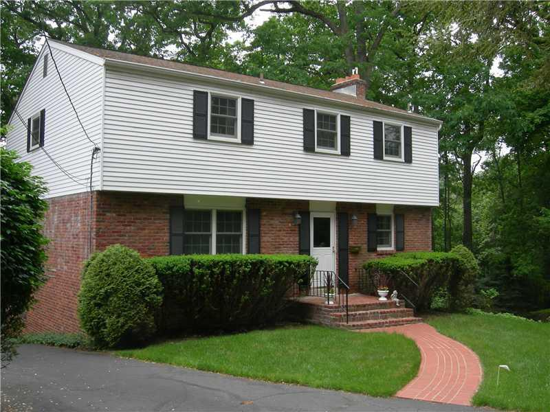 9-Woodland-Terrace-Ross-Township-PA-15229