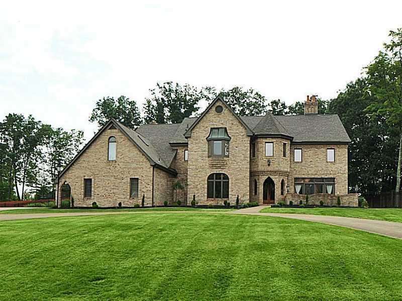 2167-South-Villa-Drive-Hampton-PA-15044