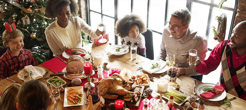 Holiday Hosting Tips to Keep Your House Tidy and Spirits Bright!