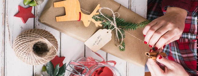 'Tis the Season for DIY! Find 10 Homemade Holiday Decorating Ideas Here!
