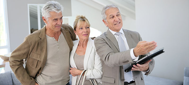 How to Help Your Retiring Parents Buy a House