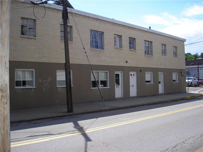 2806 Center Street