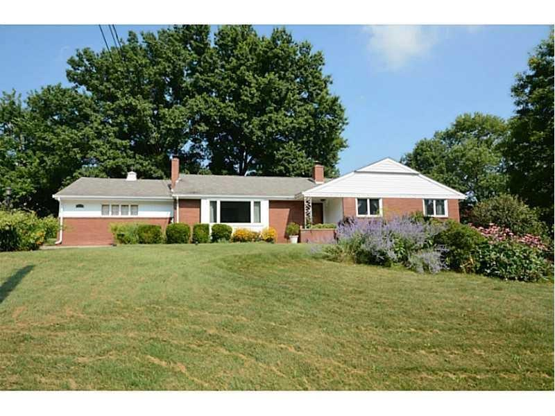 2624  Thorntree Drive, Upper St. Clair