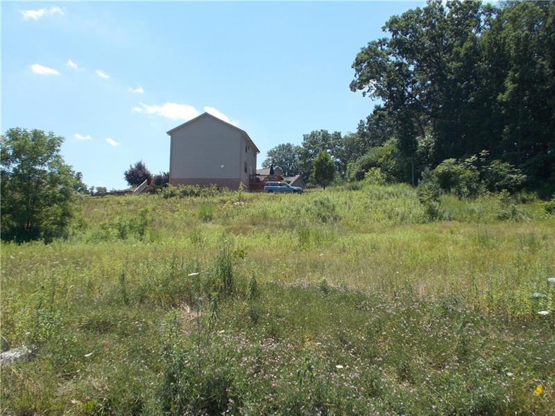117  Heathcliffe Road, Center Township