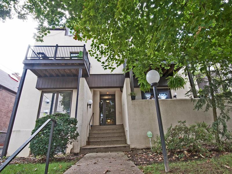 5930 Howe Street, 203