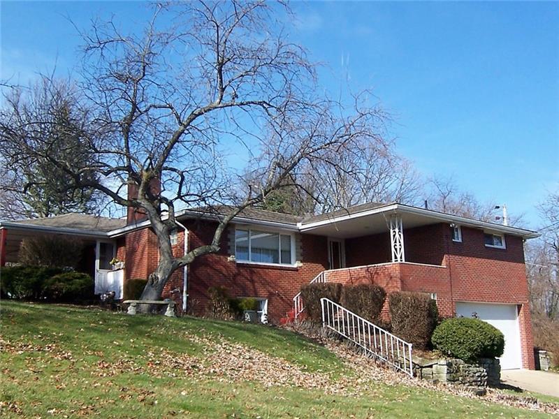 136  Old Oak Drive, South Fayette