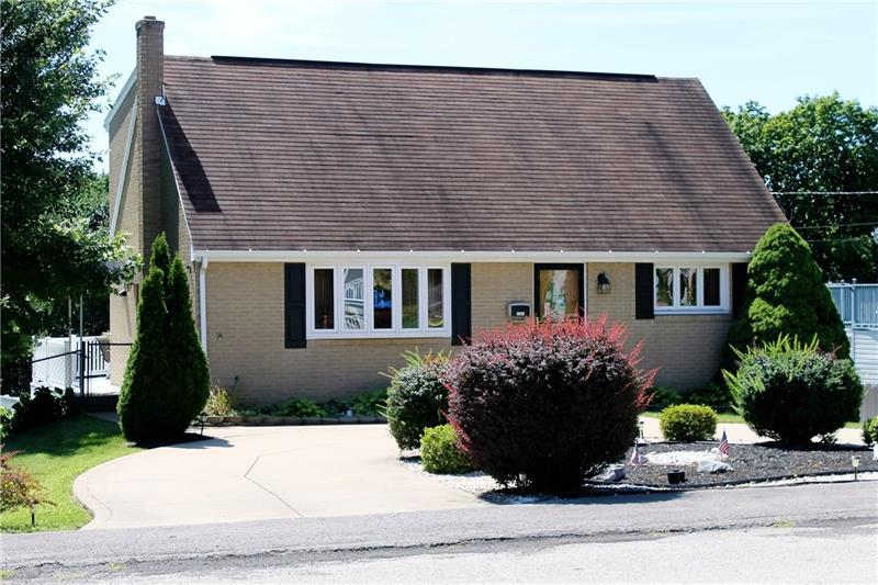 2032 Oriole Drive, Hopewell Township