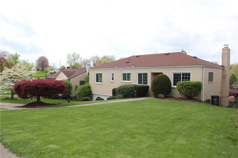 5263 Meadowgreen Dr, Whitehall