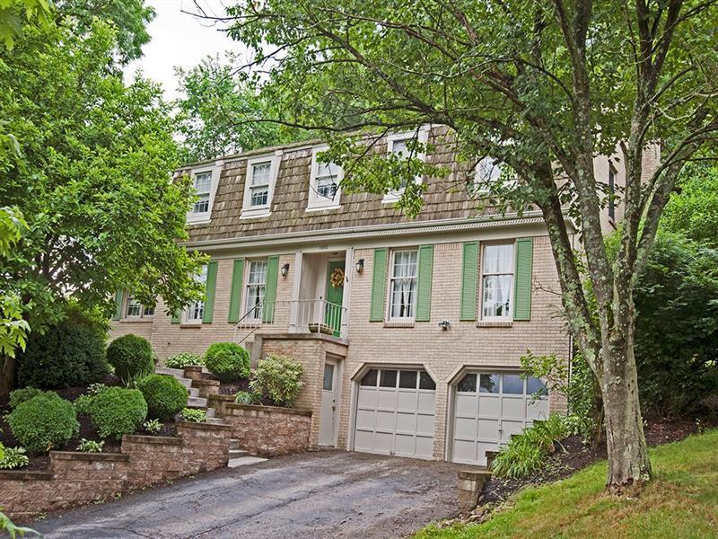 1692 Hathaway Lane, Upper St. Clair